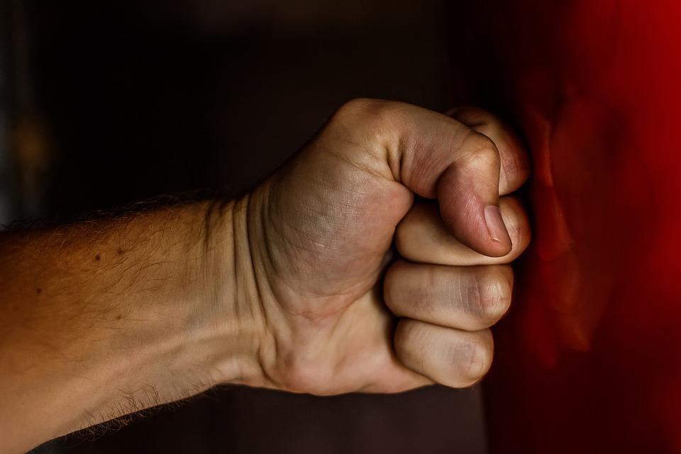 Насилие в отношениях